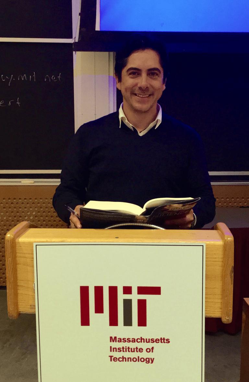 Carlos Requena | Abogado Penalista | MIT